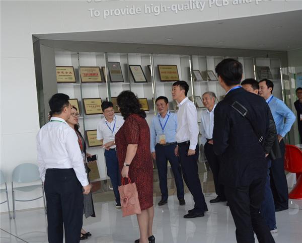 姜雪飞带领GPCA 、SPCA协会成员参观江门崇达
