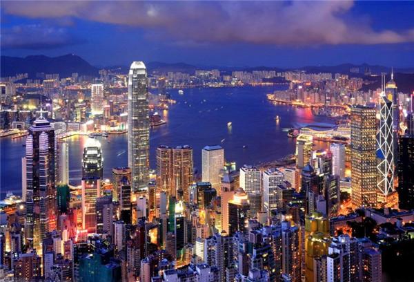 万豪移民:为什么家长会选择让子女去香港念书?