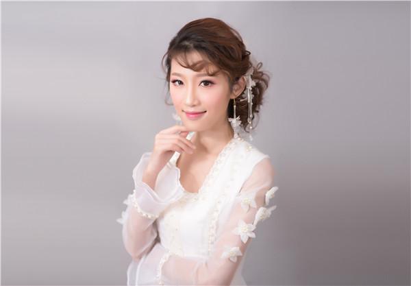 广州化妆学校告诉你韩式裸妆的画法!