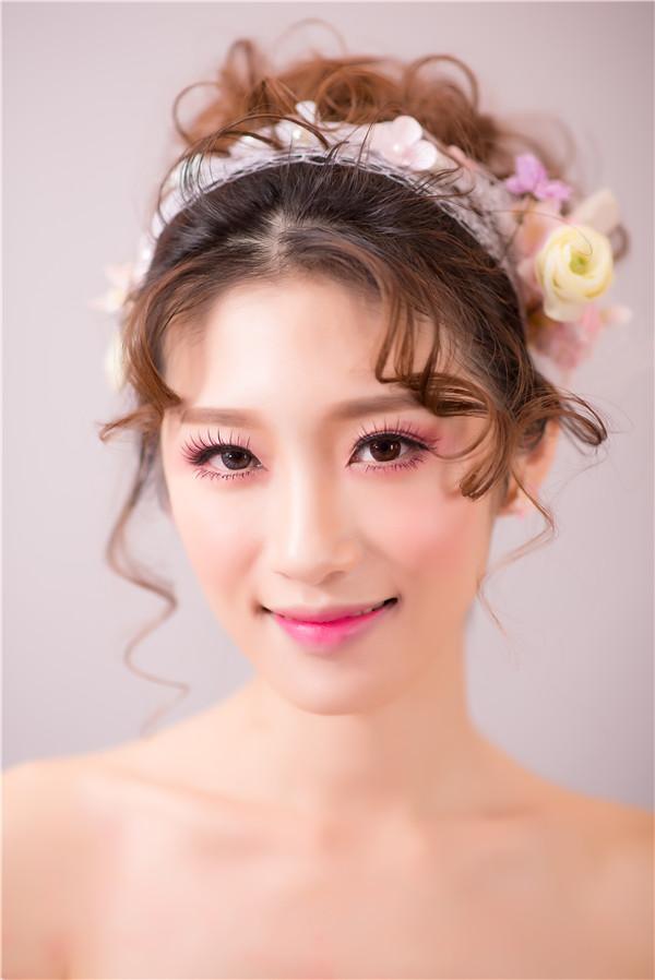 金莎美容:化妆培训学校告诉你底妆的正确步骤!