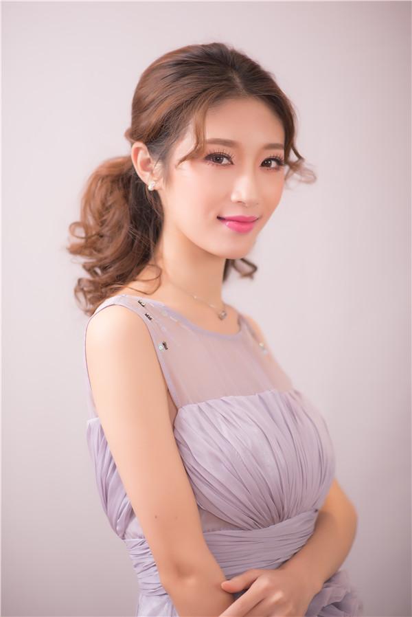 金莎美容:化妆培训学校告诉你画眼妆的注意事项!