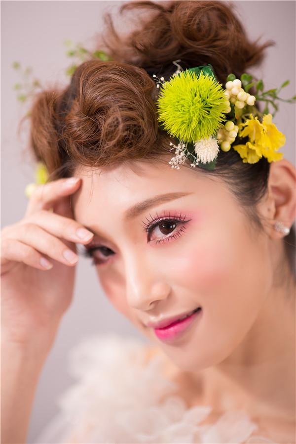 金莎美容:化妆学校告诉你单眼皮眼部化妆技巧!